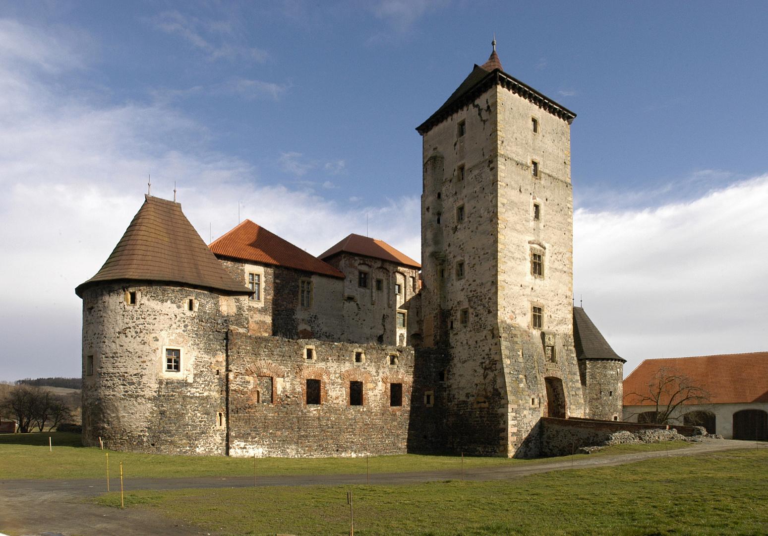 Křivoklát - kolem roku 1530 Řada dobových rekonstrukcí hradů a zámků České republiky.
